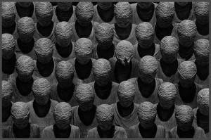 Faceless mummies en masse