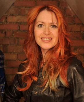 Headshot Of Roz Morris