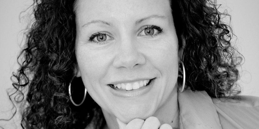 Laura Morelli Headshot