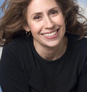 Amy Edelman headshot IndieReader President