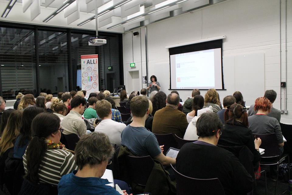 How To Make A Speech At A Publishing Event