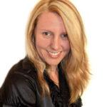 Headshot of Kelly Hart