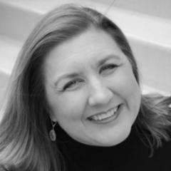 headshot of Susan Kaye Quinn