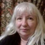 headshot of Lynne Pardoe