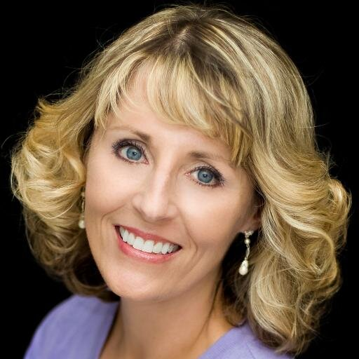 Headshot Of Collette Cameron
