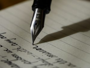 photo of fountain pen writing