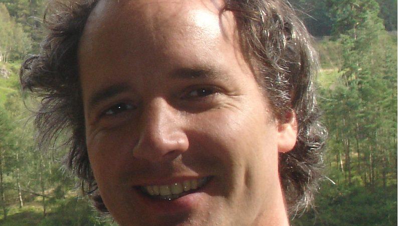 Headshot Of Edward Trayer