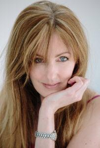 headshot of Rachel Amphlett
